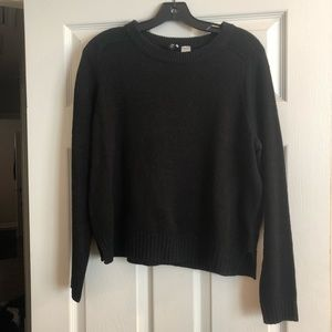 H&M Divided Crop Sweater- M
